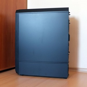 Antec Nineteen Hundred right side panel