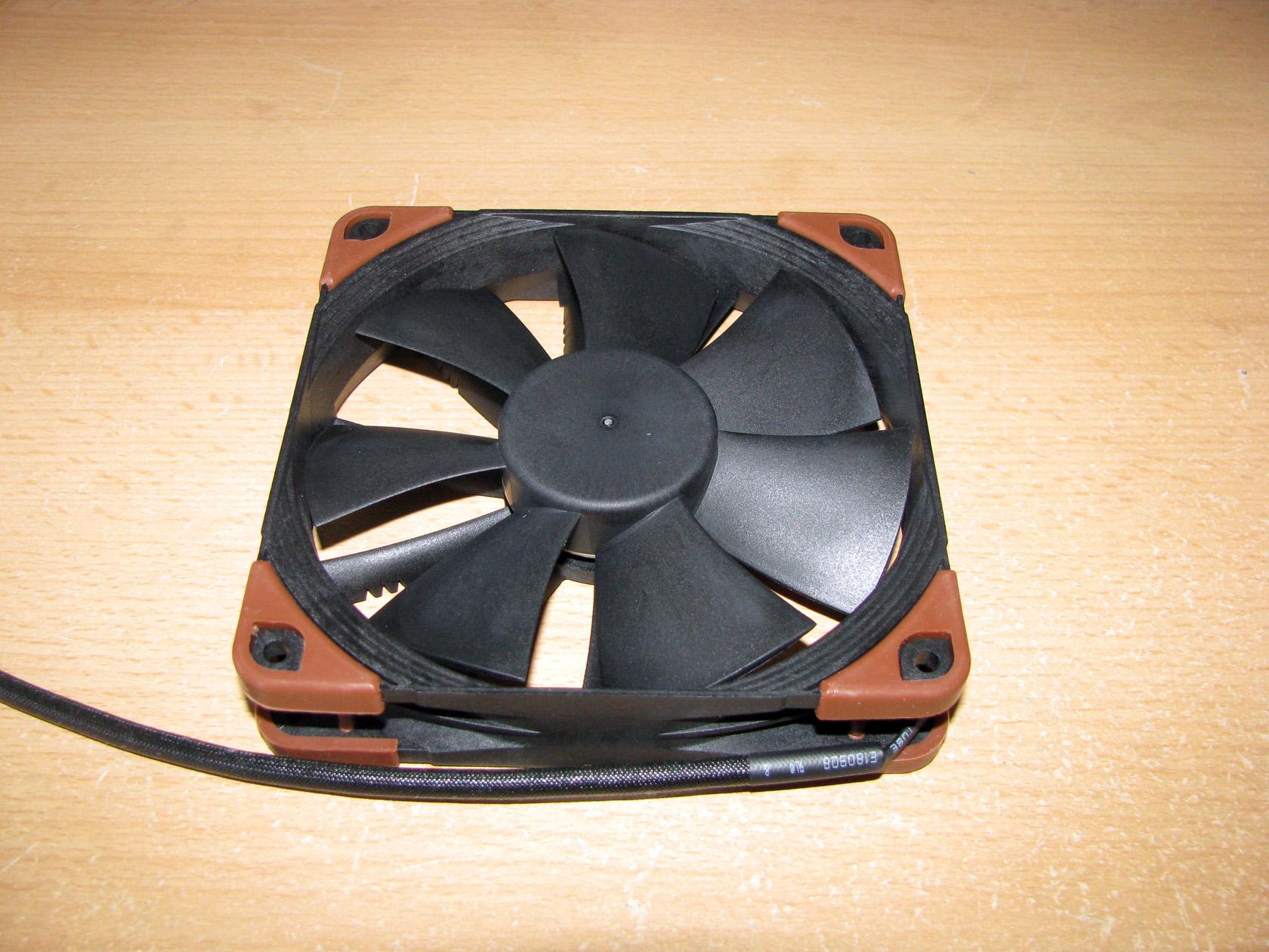 Heavy Duty Cooling Fan 120mm, Black Noctua NF-F12 iPPC-2000 3-Pin 2000 RPM
