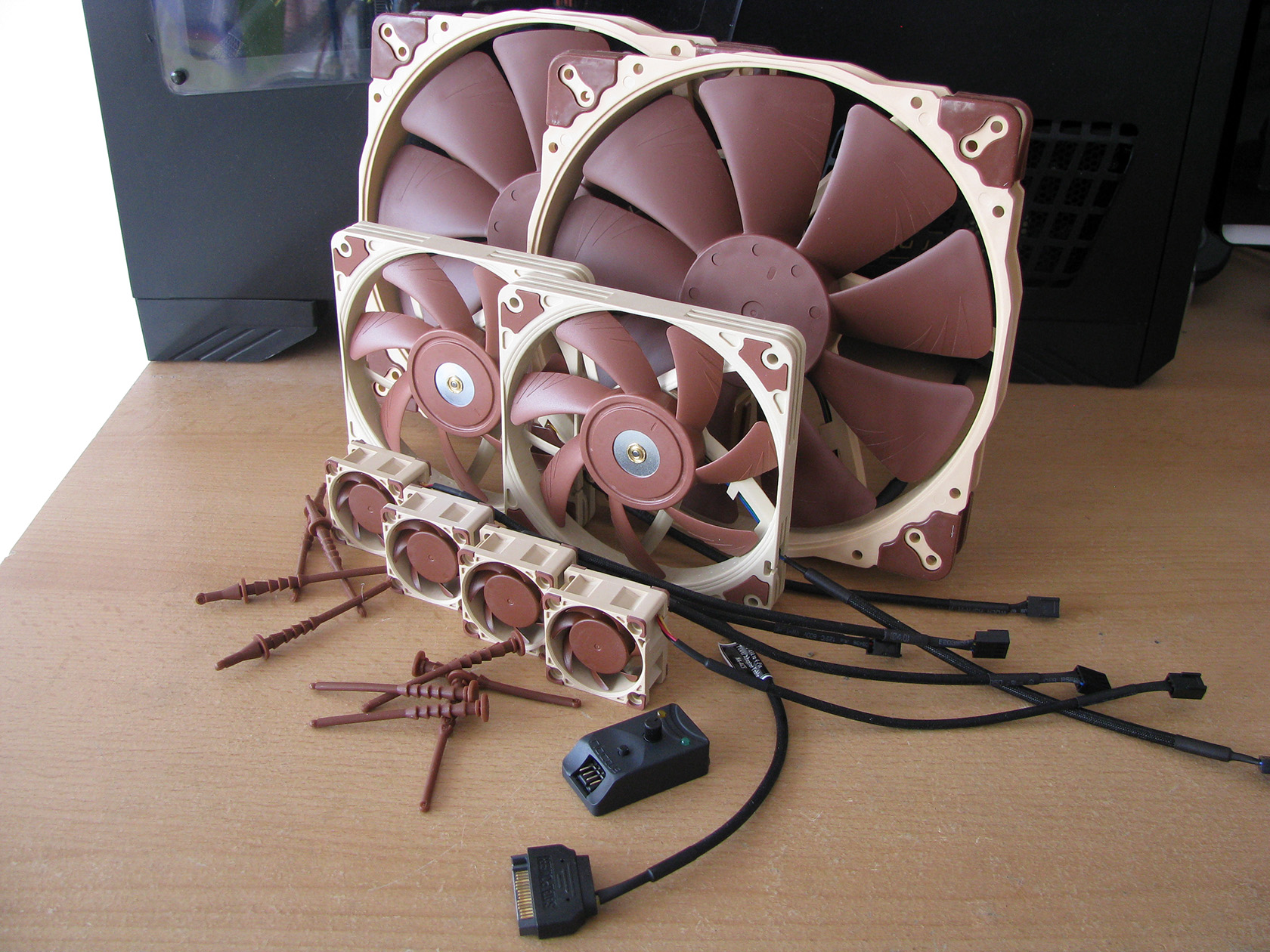 ... Noctua introduced several brand new fans with various dimensions from  40 up to 200mm, which are already included in the A series. Fans, which are  pretty ...