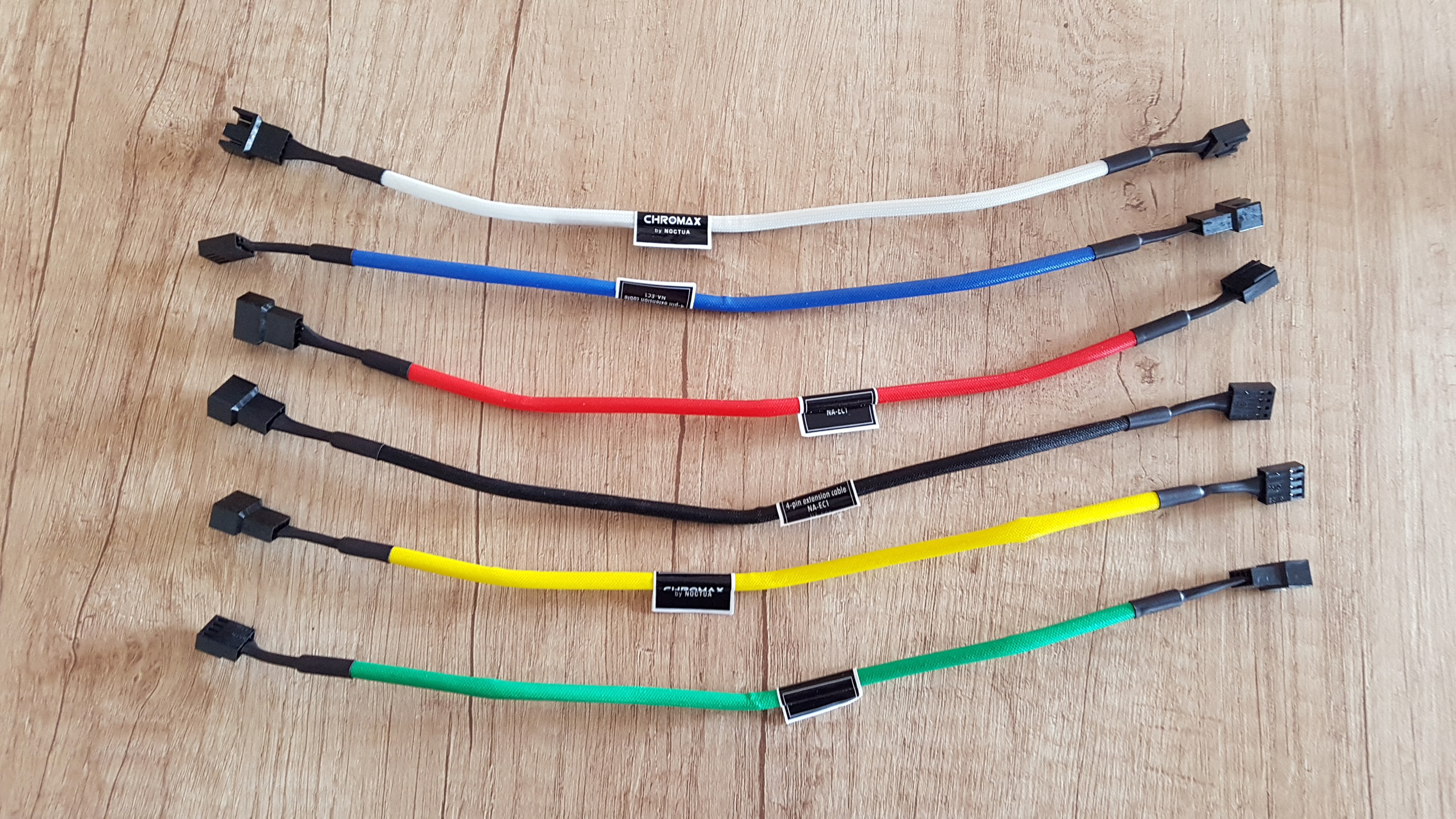 Noctua Chromax Accessories Review Wiring Red Green White Black Cables With Very Solid And Reliable Mesh Sleeve Delivered In 6 Different Vibrant Blue Yellow Colors